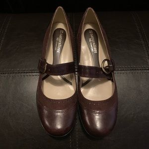 Naturalized brown Mary Jane shoes